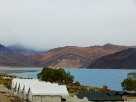 Lakeside camps at Pangong Tso