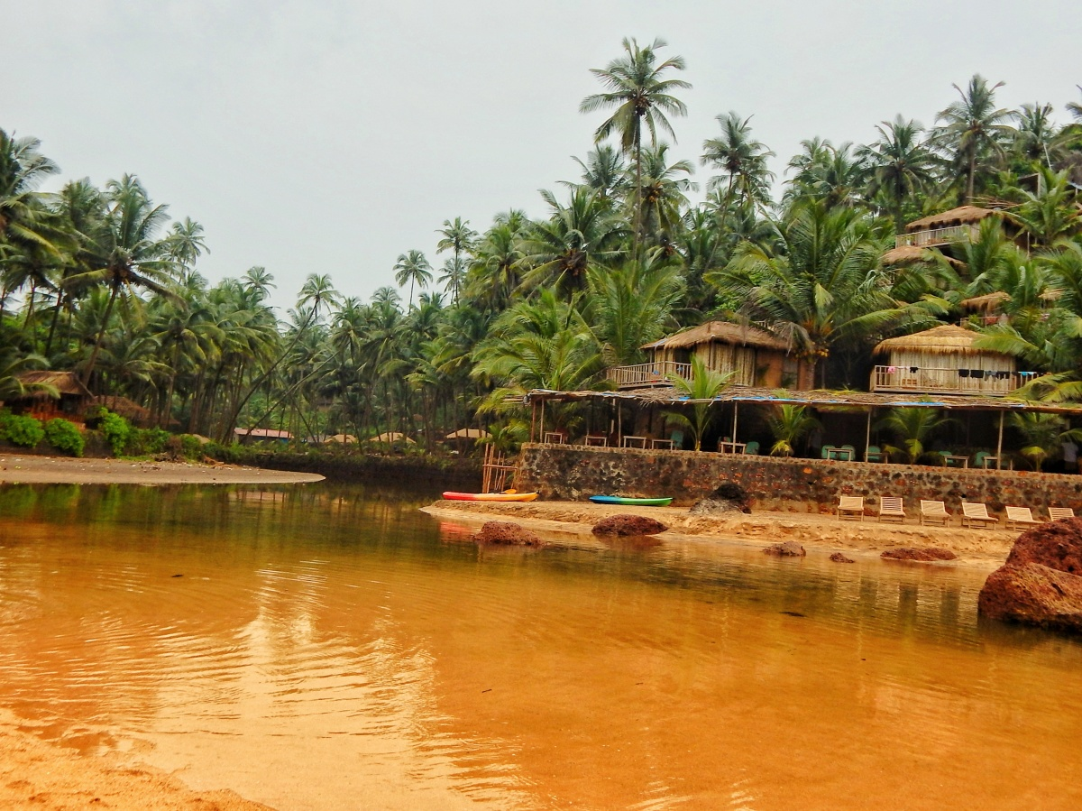Cola : The Goan beach with its very own lagoon !